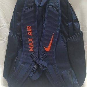 2dd76fed47 Nike Bags - Nike Illinois Fighting Illini Vapor Power Backpack